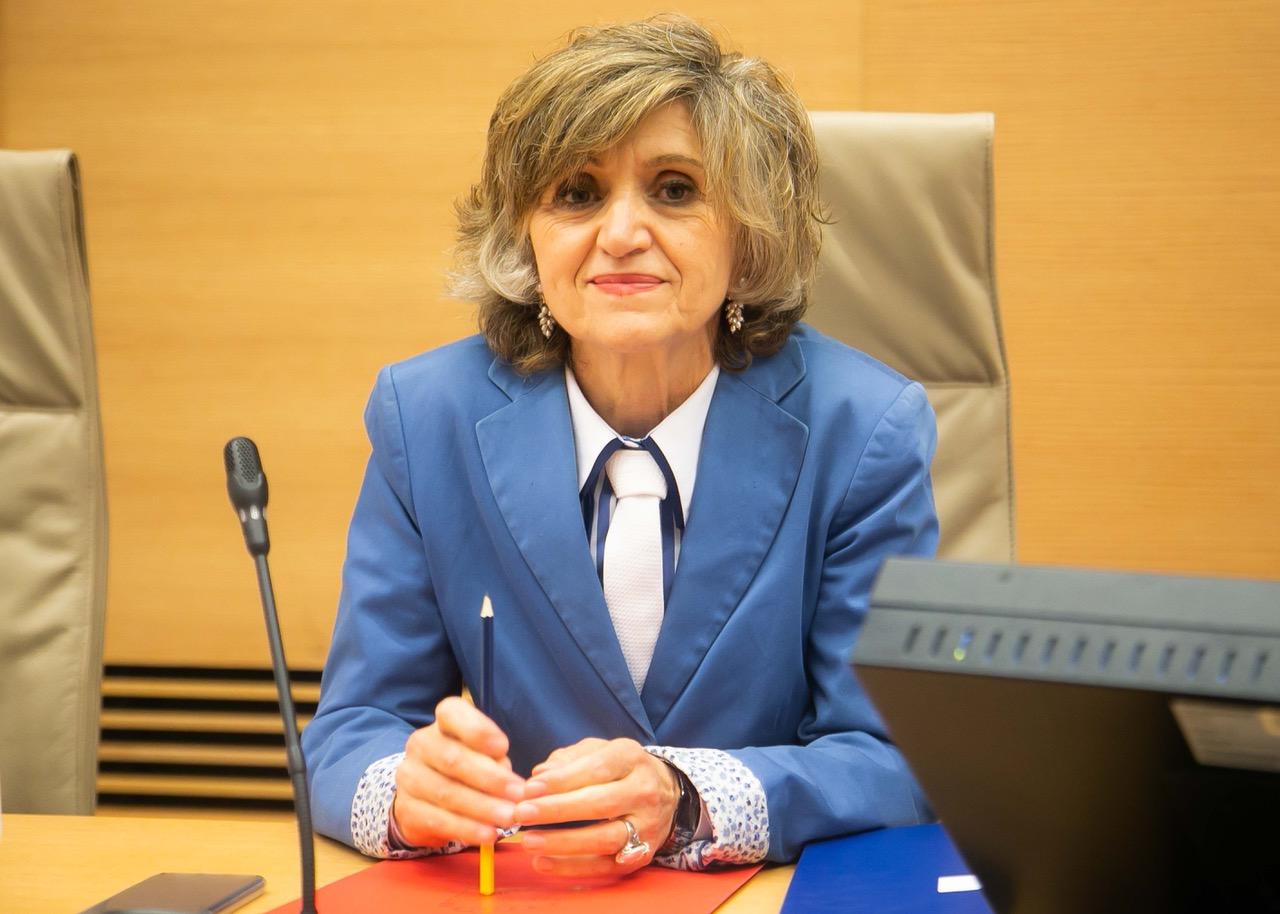 La ministra de Sanidad confirma que la prescripción enfermera se aprobará este mes