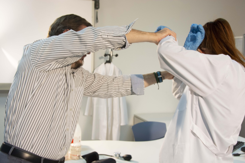 El Colegio de Enfermería de Almería condena la agresión a dos sanitarios