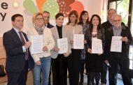Enfermeras, médicos y pacientes, unidos contra la ley de farmacia de Madrid que privatizará la Atención Primaria