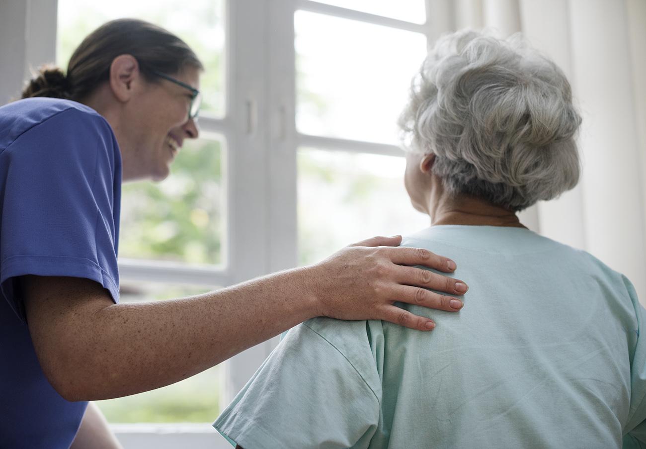 Residencias y sanidad privada hacen un llamamiento masivo para contratar enfermeras por la crisis del COVID-19