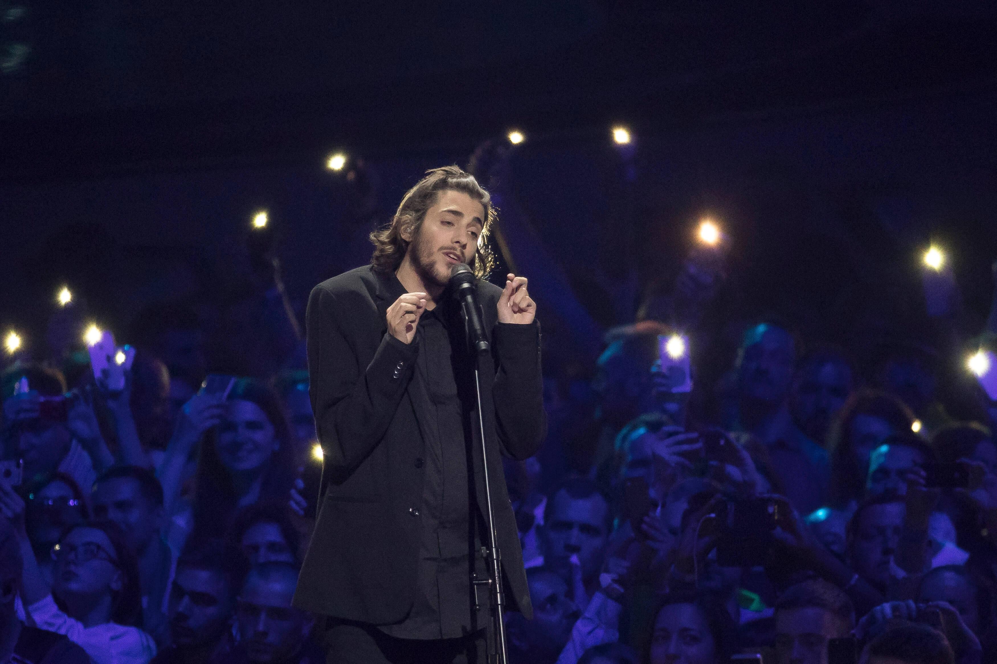 """El ganador de Eurovisión 2017 aplaude la labor de las enfermeras: """"Es la profesión más noble"""""""