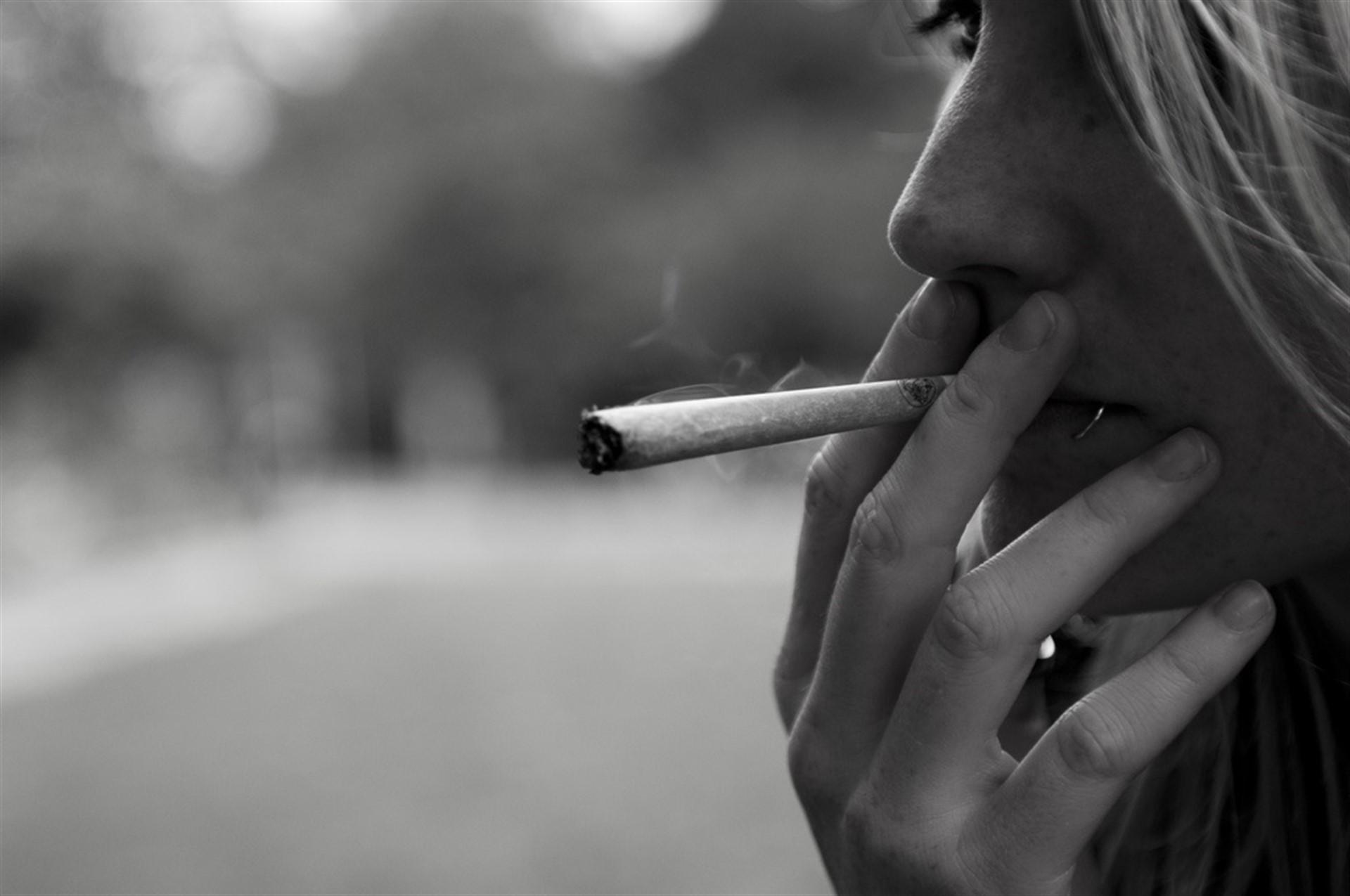 Fumar un solo porro de marihuana puede cambiar el cerebro de un adolescente
