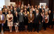 Murcia reconoce a los colegiados de honor, los profesionales de Asistencia Pública Domiciliaria y los enfermeros del Cuerpo Nacional de Policía