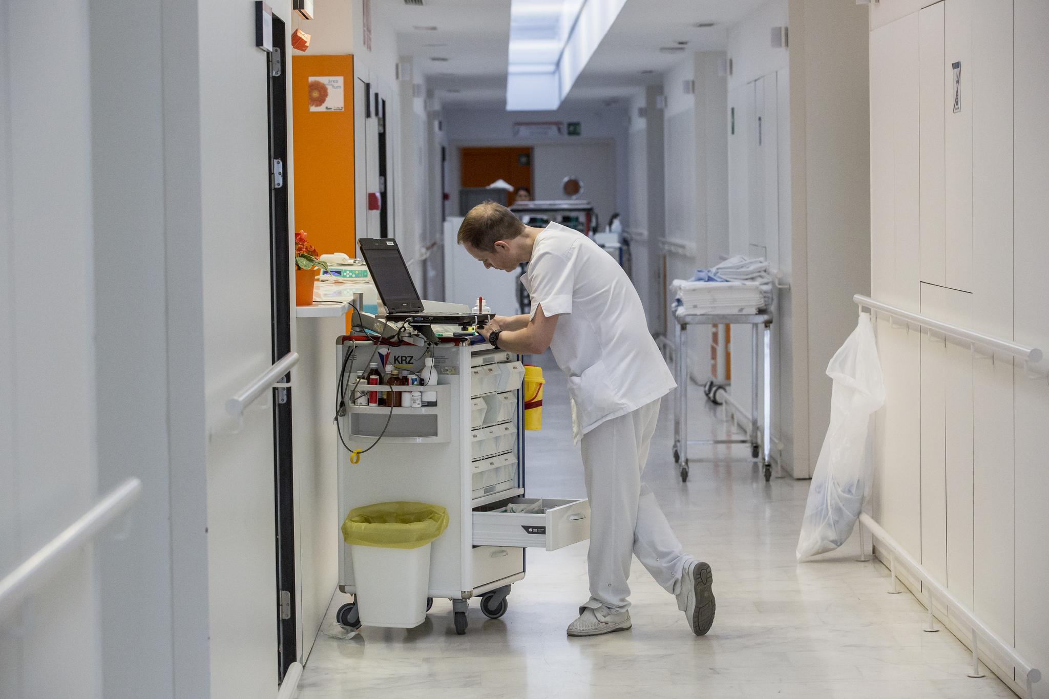 El Cecova reclama igualar la ratio de enfermeras a la del conjunto de España para ofrecer una atención sanitaria de mayor calidad