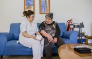 Las enfermeras salmantinas realizan formación y educación para la salud de personas mayores