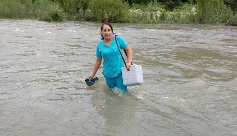 Una enfermera peruana, heroína de la salud, al arriesgar su vida para atender a un recién nacido