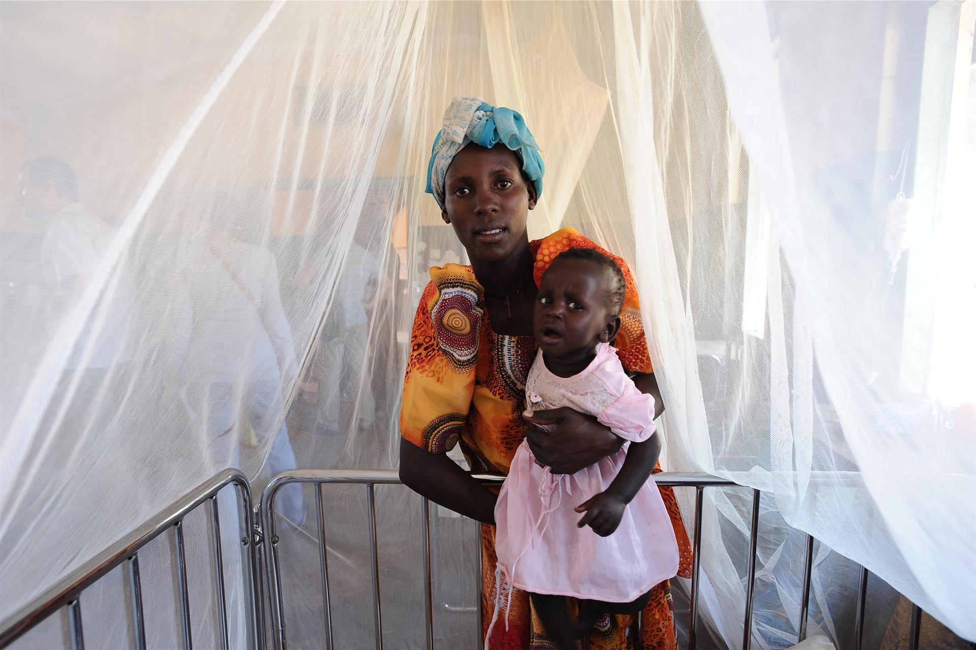 La OMS lanza la primera vacuna de la malaria en África tras 30 años de investigación