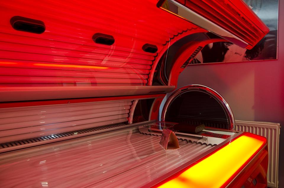 Las cabinas de rayos UVA aumentan el riesgo de melanoma mortal en edad temprana