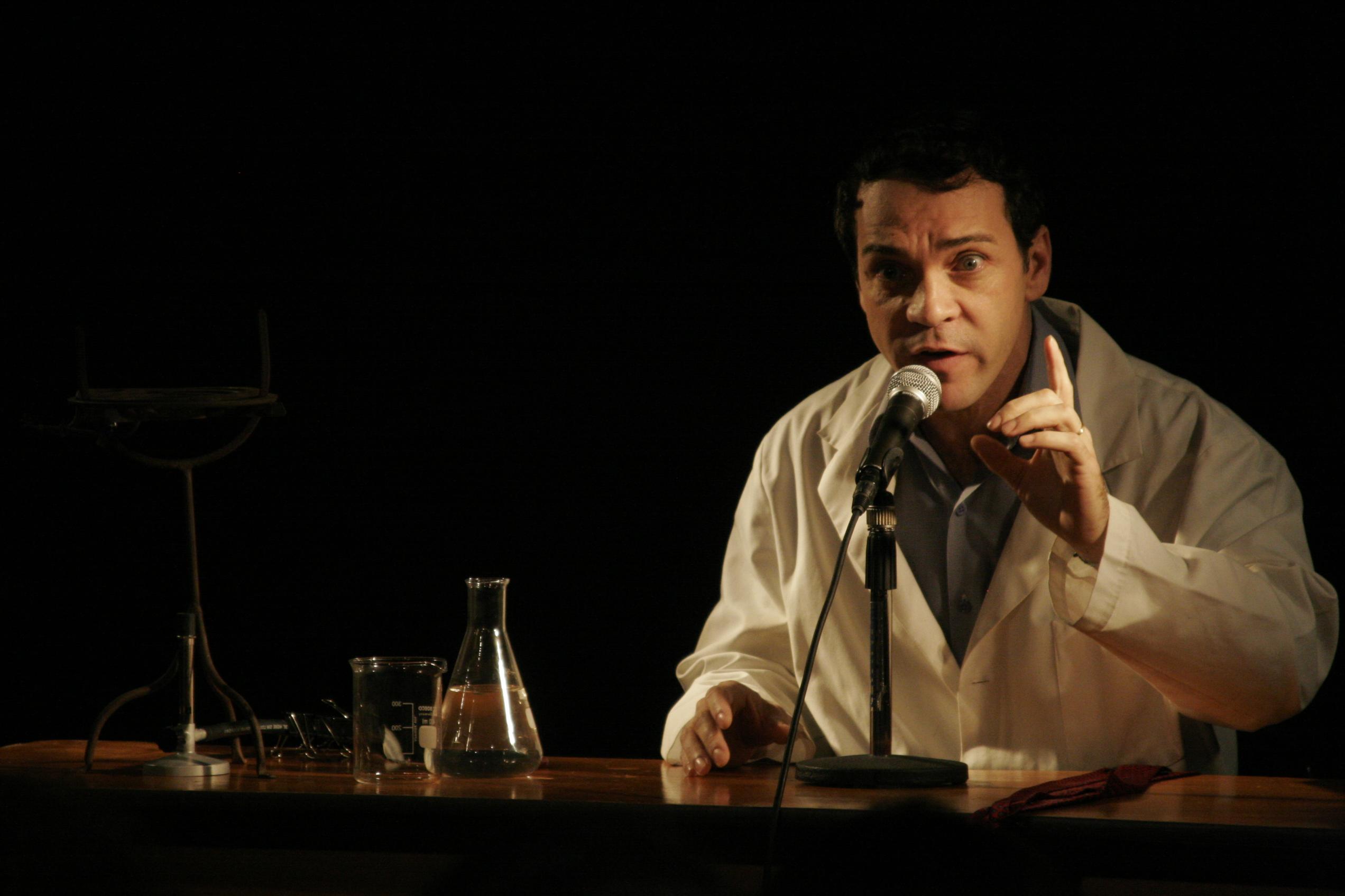 Una obra de teatro recorre las fases de la esquizofrenia