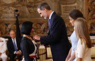 Una enfermera de Ceuta condecorada por el Rey