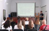 Córdoba da las claves para llegar a ser enfermero de prisiones