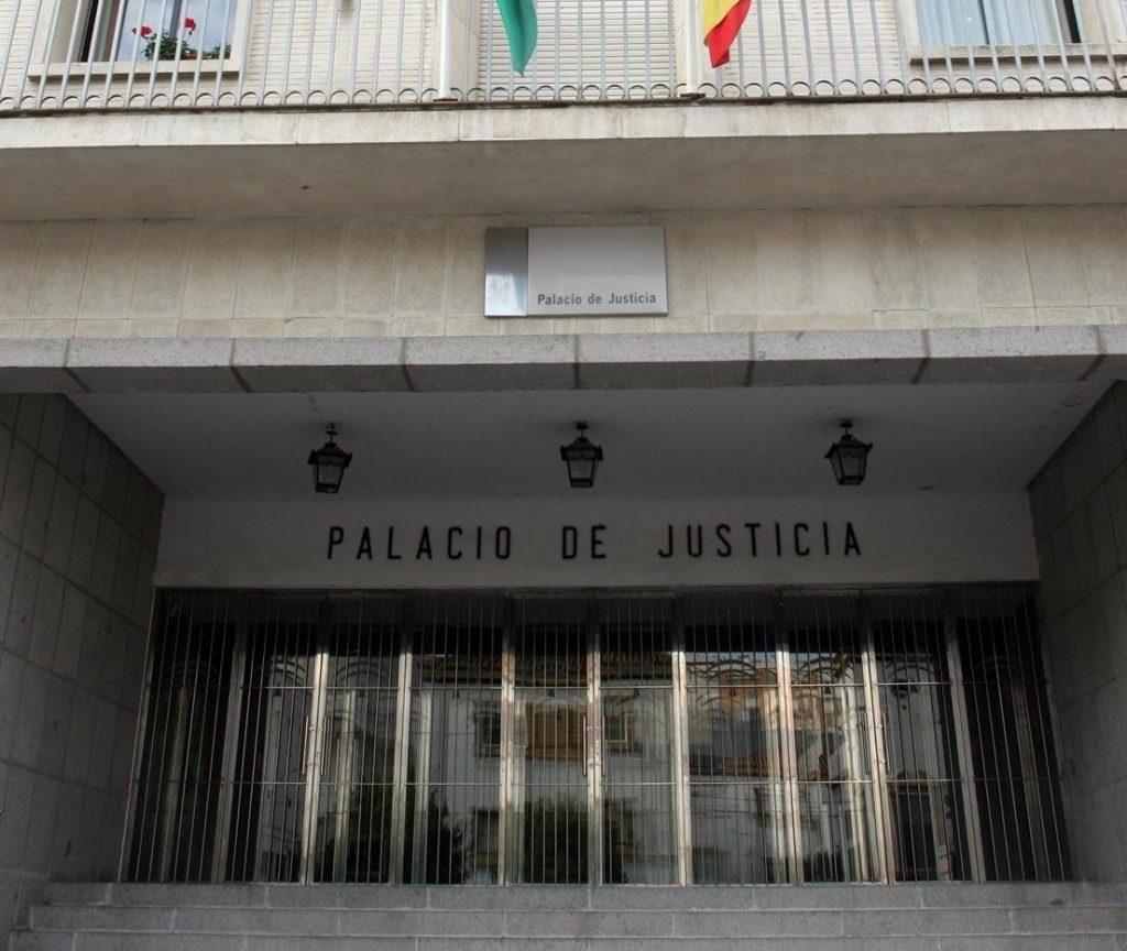 Condenado a casi cuatro años el acusado de agredir a dos enfermeros del centro de salud de Palos