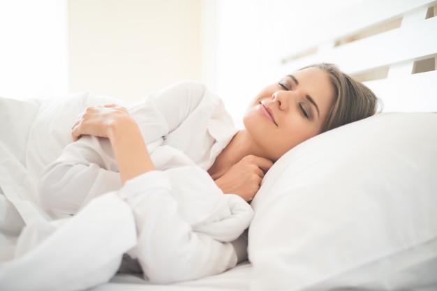 Dormir mucho, o muy poco, aumenta el riesgo de sufrir un ataque al corazón