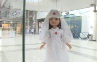 Una exposición de muñecas recorre en Cáceres la historia de la enfermería a través de los uniformes