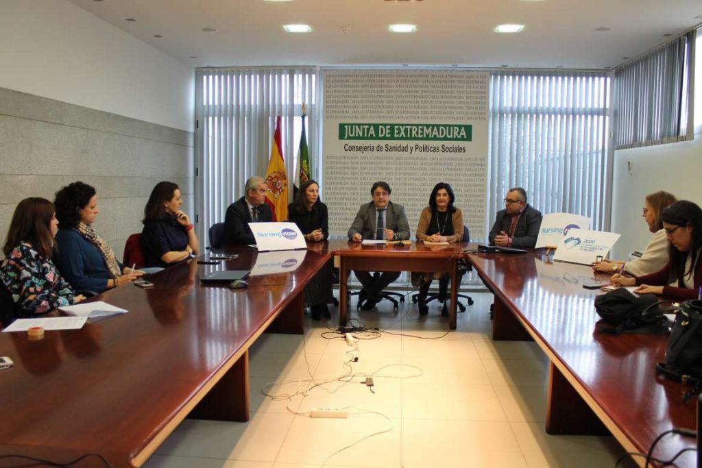 """Extremadura se une a la campaña """"Nursing Now"""" para valorar el trabajo de enfermería"""
