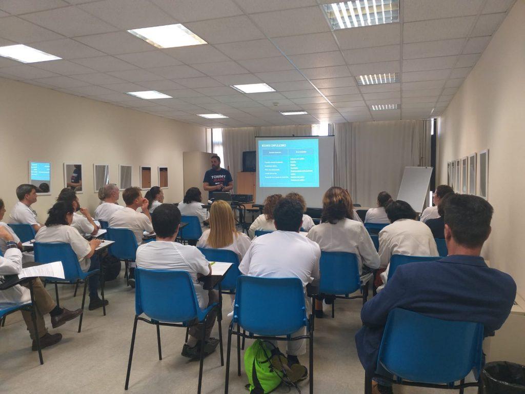 Las enfermeras de AP en Canarias aprenden a manejar los catéteres PICC