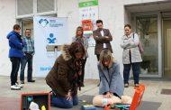 Tudela cuenta con un nuevo DESA disponible las 24 horas, instalado en la fachada de la sede del Colegio de Enfermería