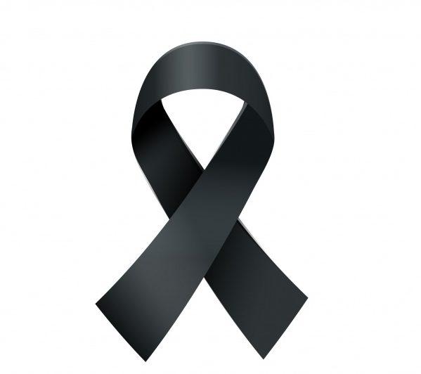 La enfermería española lamenta profundamente la muerte de dos compañeros médicos por COVID-19