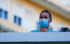 La cifra de sanitarios afectados supera los 17.200, el 14,64% del total de casos