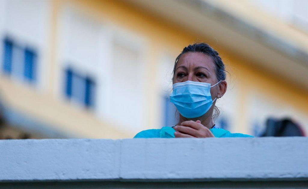 En torno a 70.000 enfermeras podrían haber tenido síntomas compatibles con COVID-19, según la macroencuesta de la Organización Colegial de Enfermería