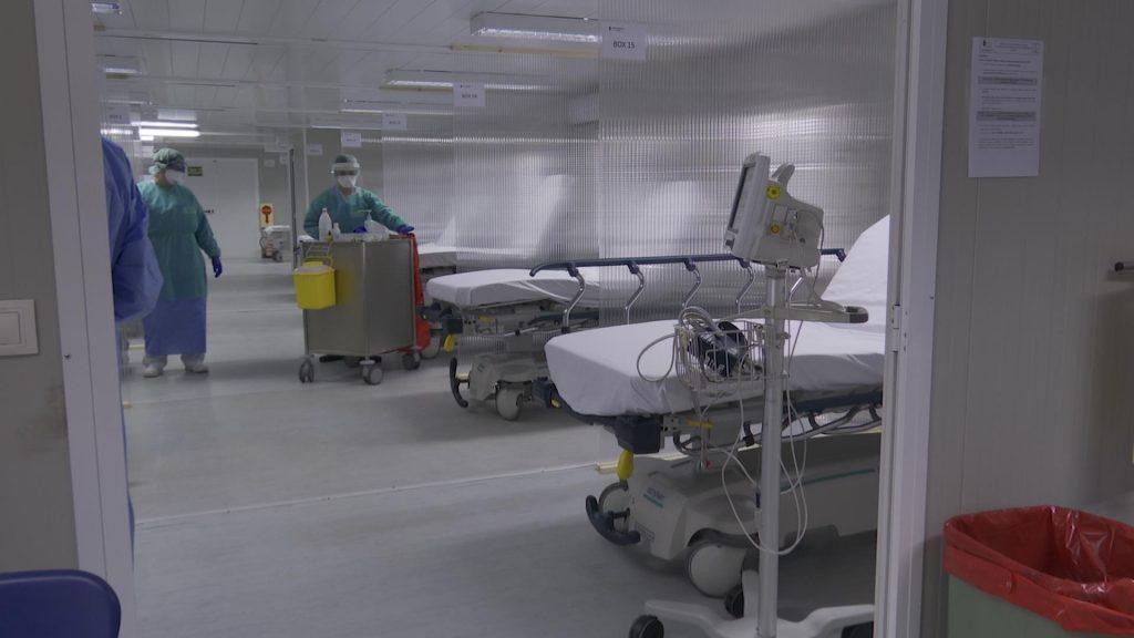 España registra sólo 102 fallecidos por COVID-19 en las últimas 24 horas
