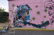 Pintan un graffiti en Badajoz en agradecimiento a los sanitarios