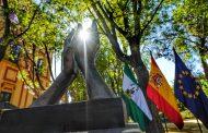 """El presidente de las enfermeras pide que las esculturas y homenajes a los sanitarios sirvan para no olvidar """"todo lo bueno y lo malo que nos deja esta pandemia de COVID-19"""