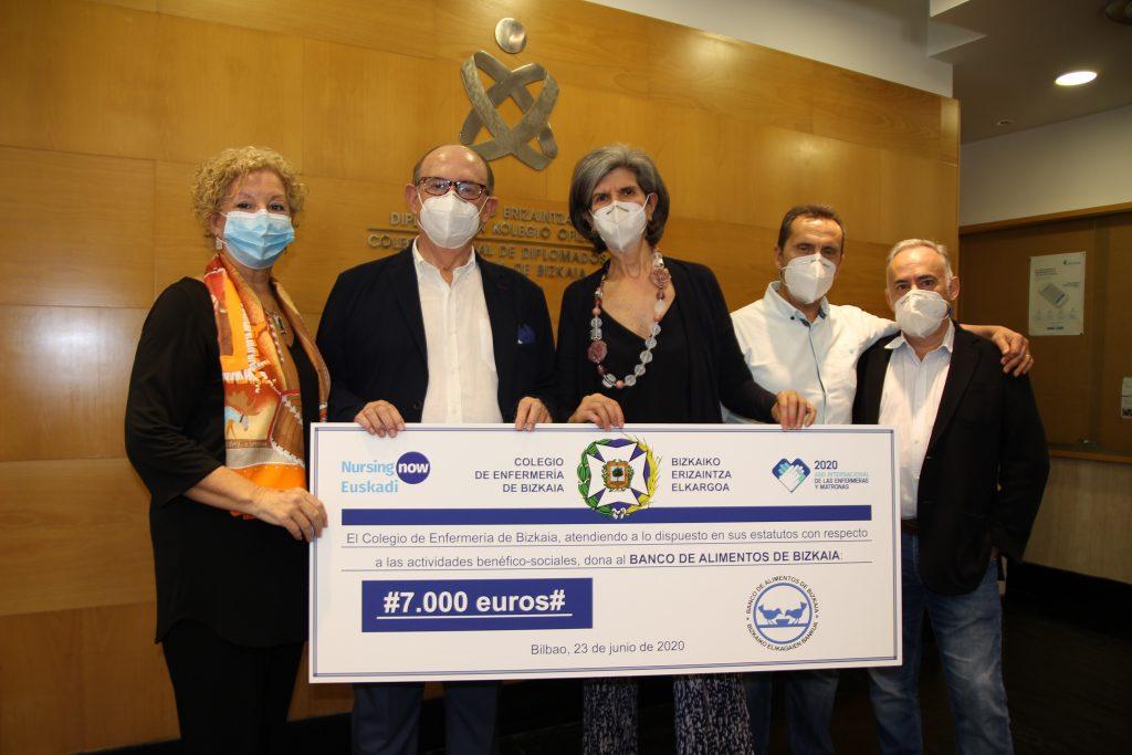 Las enfermeras de Vizcaya donan 7.000 euros al banco de alimentos