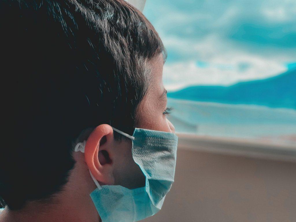 El Colegio de Enfermería de Almería recuerda cómo usar las mascarillas para evitar rebrotes