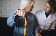 La realización de test a los trabajadores de residencias resulta imprescindible para evitar una nueva ola de mortalidad entre los mayores