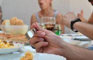 Las mascarillas, también durante la sobremesa de las reuniones con familiares y amigos