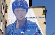 """Un mural en Vitoria homenajea a las enfermeras bajo el lema """"Te cuidamos, cuídanos"""""""