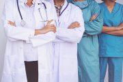 Las profesiones sanitarias consensúan las medidas que deben guiar la reconstrucción del país en materia de salud