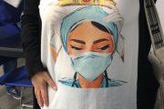 Lanzan una línea de camisetas en homenaje a las enfermeras en Sevilla