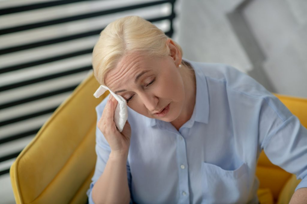 Estrógenos fetales y nuevas opciones sin hormonas contra los sofocos de la menopausia