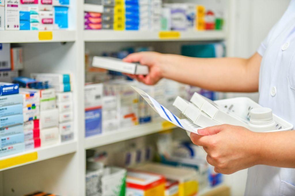 La Mesa de la Profesión Enfermera rechaza que se pueda vacunar de la gripe en las farmacias