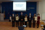 El CECOVA entrega sus premios de investigación a tres trabajos enfermeros