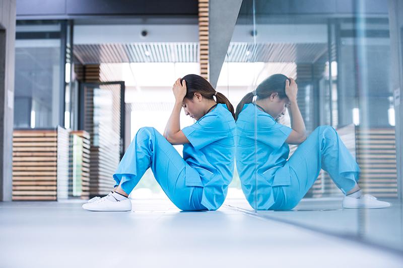 El servicio telemático de apoyo psicológico para sanitarios se amplía seis meses más