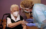Las enfermeras ya han vacunado con pauta completa al 25% de la población española