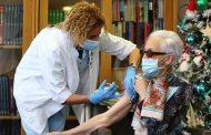 Un estudio demuestra que la vacuna de AstraZeneca también es efectiva en personas de 70 años o mayores