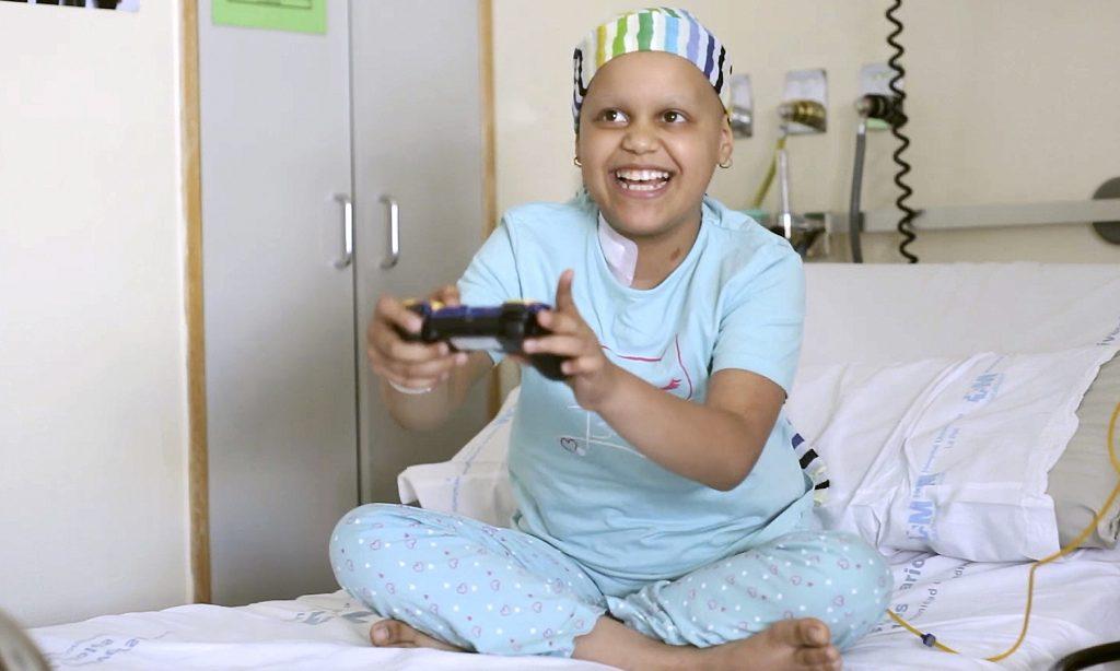 Un estudio pionero revela que el uso de los videojuegos favorece la curación de los niños enfermos de cáncer