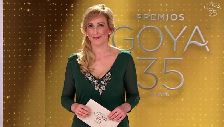 Una enfermera en primera línea contra el COVID-19 entrega el premio más importante de los Goya