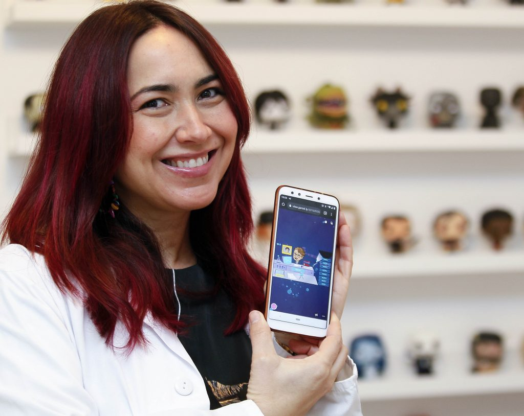 Una enfermera sevillana participa en la creación del scape room online
