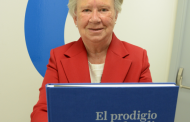 La enfermera e historiadora Teresa Miralles presenta su libro <i>El prodigio de la Filatelia, razón histórica de la Enfermería</i>