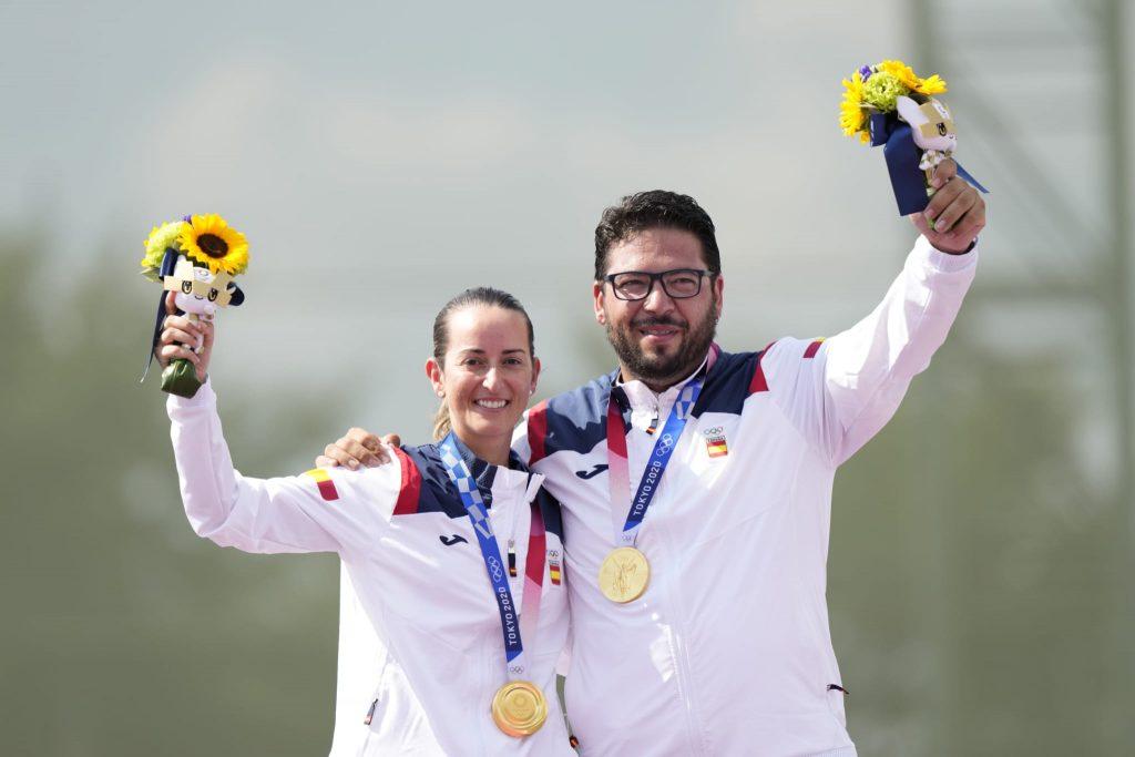 La enfermera y tiradora Fátima Gálvez, medalla de Oro en Tokyo 2020 junto a su compañero Alberto Fernández