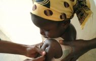Aprobada la primera vacuna contra la malaria